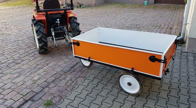 Neuanstrich Traktor-Hänger